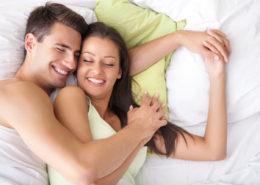 Par spi z nasmehom